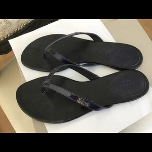 Authentic Gucci navy blue patent thong sandals